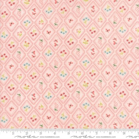 Moda Stacy Iest Hsu Home Sweet Home 20576-12 Pink